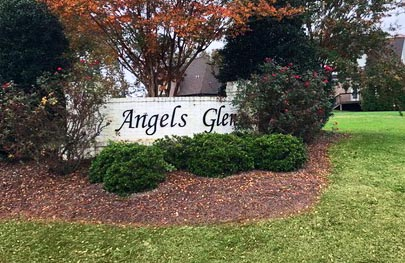 Angel's Glen sign