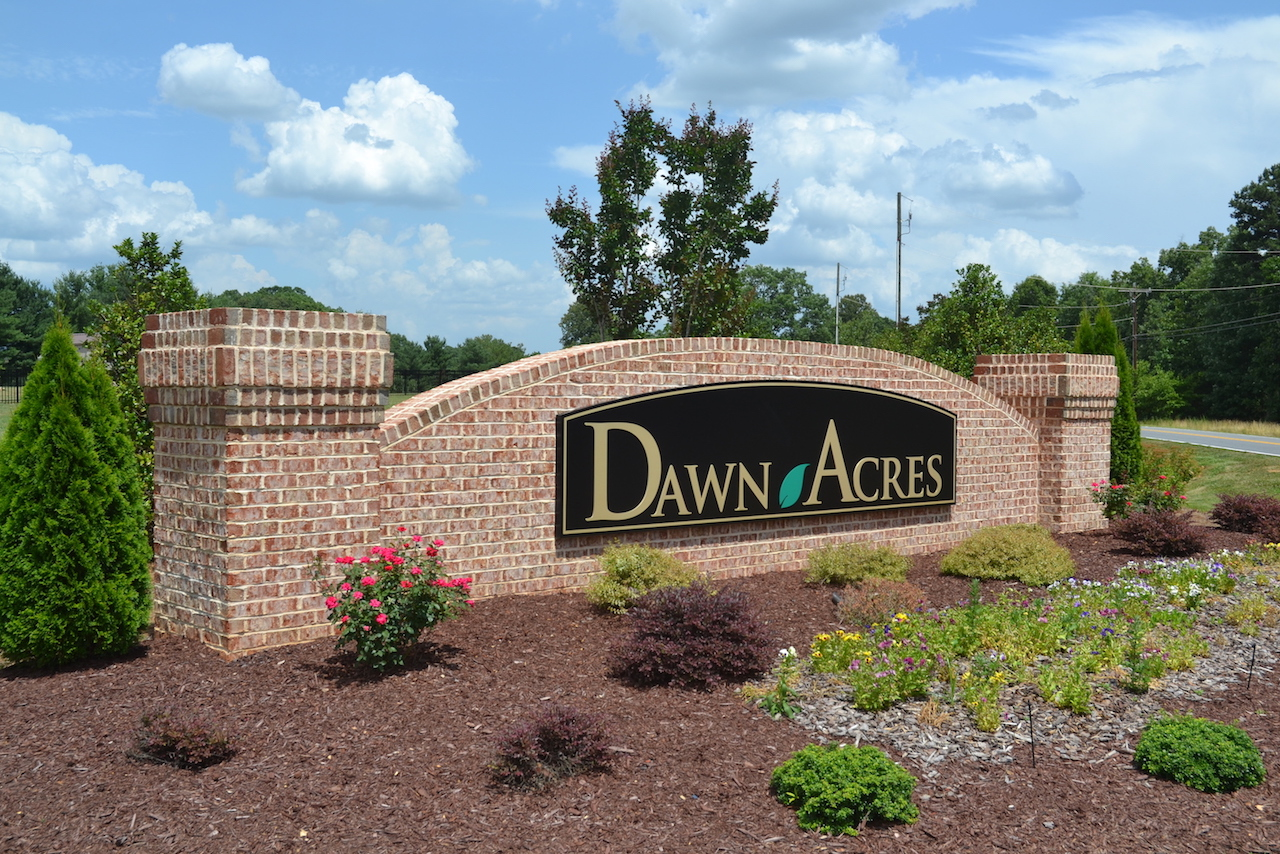 Dawn Acres Sign 2